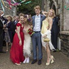 Questione di tempo: Domhnall Gleeson e Rachel McAdams sposi insieme a Vanessa Kirby in una scena