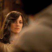 Blood ties: Marion Cotillard nei panni di Monica in una scena del film di Canet