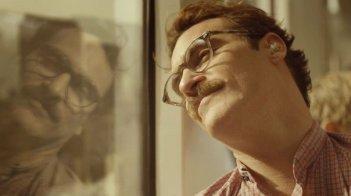 Her: Joaquin Phoenix in un bel primo piano tratto dal film