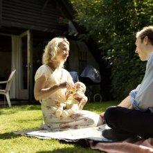 Sorrow and Joy: Jakob Cedergren insieme ad Helle Fagralid in un momento del film