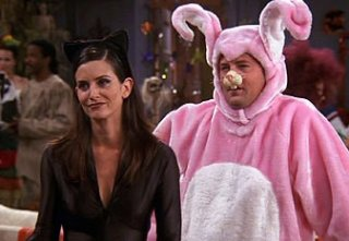 Friends: Courteney Cox e Matthew Perry nell'episodio La festa di Halloween