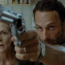 The Walking Dead:  Andrew Lincoln con Melissa McBride nell'episodio Indifferenza