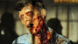 The Walking Dead: una terrificante creatura nell'episodio Indifferenza
