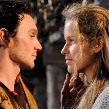 Belle & Sebastien: Dimitri Storoge e Margaux Chatelier in una scena