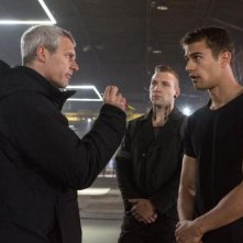 Divergent: il regista Neil Burger spiega una scena a Theo James