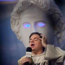 Gods Behaving Badly: Oliver Platt in una scena