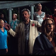 Gods Behaving Badly: Alicia Silverstone, Christopher Walken, Sharon Stone ed Edie Falco in una scena
