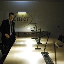 Il venditore di medicine: Claudio Santamaria in una scena del film
