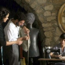 La moglie del sarto: Maria Grazia Cucinotta con Marta Gastini e Alessio Vassallo in una scena