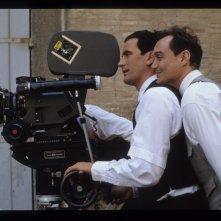 Le vie del signore sono finite: Massimo Troisi e Massimo Bonetti sul set (foto di MARIO TURSI)