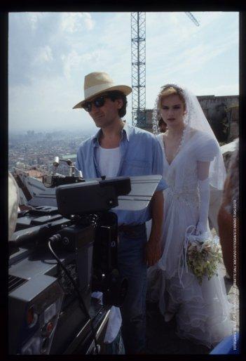 Pensavo fosse amore invece era un calesse: Massimo Troisi e Francesca Neri sul set (foto di MARIO TURSI)