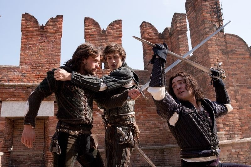 Romeo And Juliet Douglas Booth In Un Immagine Dal Film Con Christian Cooke E Ed Westwick 290923