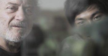 Se chiudo gli occhi non sono più qui: Giorgio Colangeli e Mark Manaloto in una scena