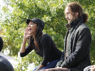 Sleepy Hollow: Nicole Beharie e Tom Mison nel sesto episodio della prima stagione The Sin Eater