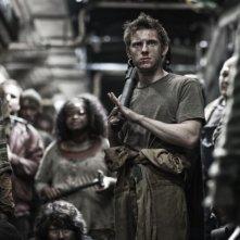 Snowpiercer: Jamie Bell in una scena del film