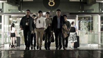 The White Storm: Nick Cheung e Sean Lau in una scena di gruppo del film