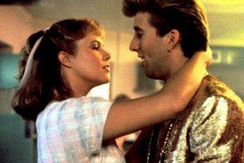 Kathleen Turner e Nicolas Cage in una scena del film Peggy Sue si é sposata
