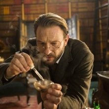 Dracula: Thomas Kretschmann nell'episodio Goblin Merchant Men