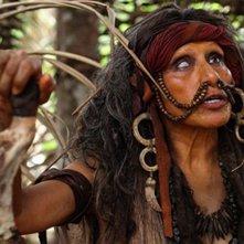 The Green Inferno: la sanguinosa capo tribù indigena in una scena del film