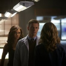 The Vampire Diaries: Rick Cosnett, Candice Accola e Nina Dobrev nell'episodio Handle with Care