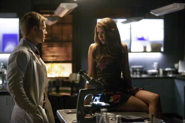The Vampire Diaries Rick Cosnett E Nina Dobrev Nell Episodio Handle With Care 291830
