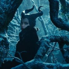 Maleficent: Angelina Jolie in una scena del film