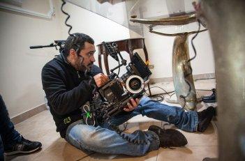 Take Five: Il regista Guido Lombardi impegnato sul set
