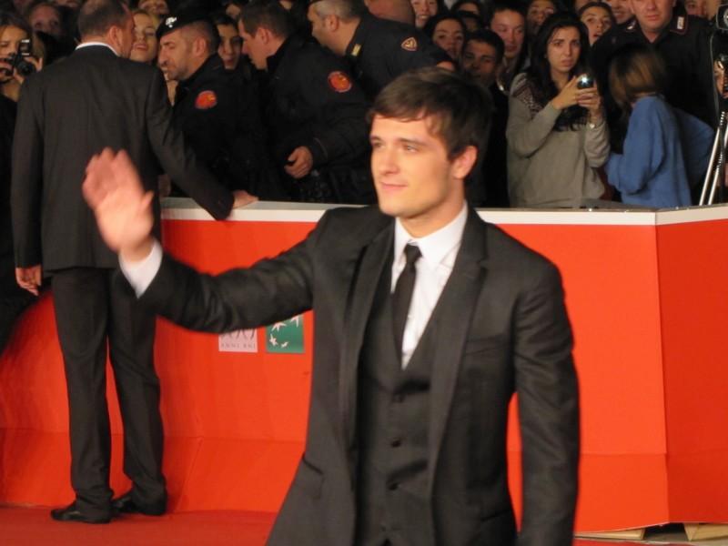 Hunger Games La Ragazza Di Fuoco Josh Hutcherson A Roma 2013 Sul Red Carpet Del Festival 292135