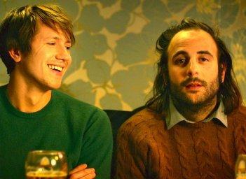 2 automnes 3 hivers: Bastien Bouillon e Vincent Macaigne in una scena