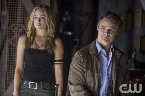 Arrow Dylan Neal E Caity Lotz In Una Scena Dell Episodio Della Stagione 2 Keep Your Enemies Closer 292269