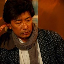 A Woman and War: Masatoshi Nagase in una scena
