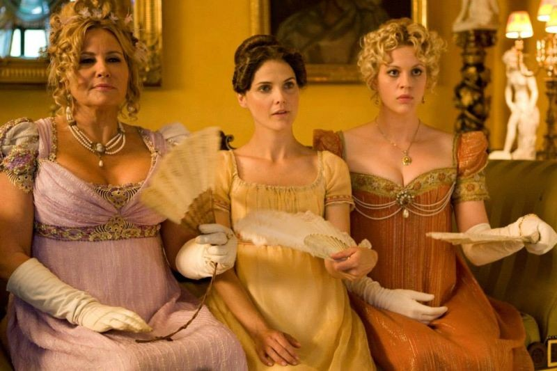 Austenland Keri Russell Insieme A Georgia King E Jennifer Coolidge In Una Scena 292336