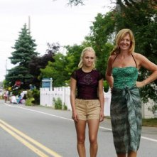 C'era una volta un'estate: Allison Janney con AnnaSophia Robb in una scena del film