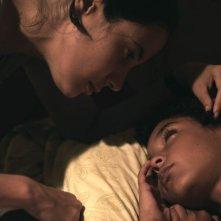 Pelo Malo: Samuel Lange in un'immagine del film con Samantha Castillo