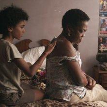 Pelo Malo: Samuel Lange in un'immagine tratta dal film nei panni di Junior insieme alla nonna