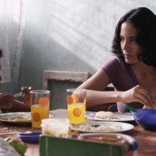 Pelo Malo: Samuel Lange in una scena del film con Samantha Castillo