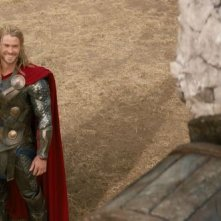 Thor: The Dark World, Chris Hemsworth e il suo martello sul set