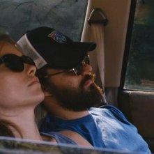 Drinking Buddies: Olivia Wilde insieme a Jake Johnson in una scena del film