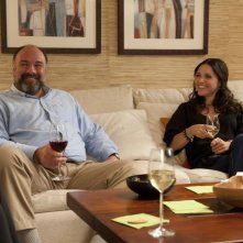 Enough Said: James Gandolfini e Julia Louis-Dreyfus in una scena