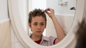 Il bambino cattivo: Leonardo Della Bianca in una scena della fiction Rai