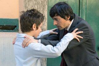 Il bambino cattivo: Luigi Lo Cascio e Leonardo Della Bianca in una foto di scena della fiction Rai