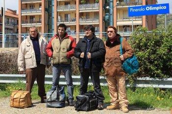 La mossa del pinguino: Ricky Memphis, Antonello Fassari, Edoardo Leo ed Ennio Fantastichini in partenza in una scena del film