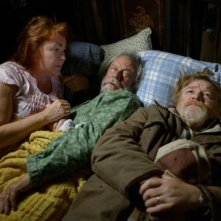 The Grand Seduction: Brendan Gleeson con Mary Walsh e Gordon Pinsent in una scena