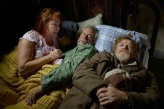 The Grand Seduction: Brendan Gleeson con Mary Walsh e Gordon Pinsent in una scena