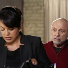 Grey's Anatomy: Hector Elizondo e Sara Ramirez in una scena dell'episodio Sorry Seems to Be the Hardest Word