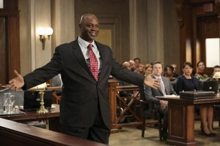 Grey's Anatomy: Robert Wisdom in un momento dell'episodio Sorry Seems to Be the Hardest Word