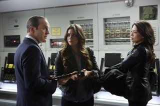 Agents of S.H.I.E.L.D.: Clark Gregg, Chloe Bennet e Ming-Na nell'episodio The Well