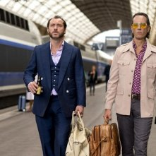Dom Hemingway: Jude Law e Richard E. Grant in una scena del film