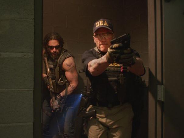Sabotage Arnold Schwarzenegger E Joe Manganiello Durante Un Irruzione 293163