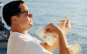 The Wolf of Wall Street: Leonardo DiCaprio conta i soldi